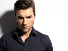 Hairstyling Tips for Men with Thinning Hair